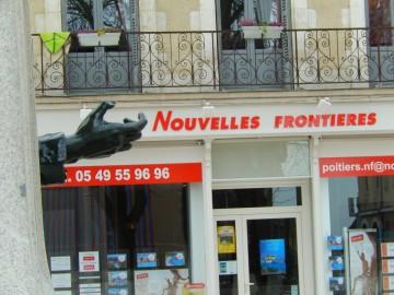 Rassemblement de soutien aux migrants et sans-papiers à Poitiers