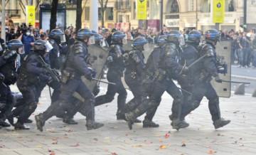 Unité face aux manœuvres de division, face aux violences policières