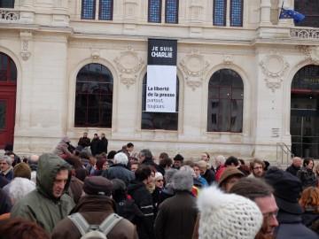 Prof suspendu : l'intersyndicale du lycée