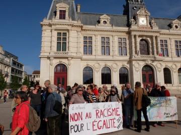 Rassemblement de soutien aux migrants et sans-papiers