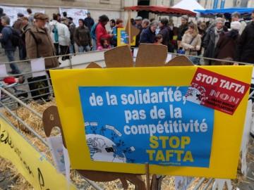 "collectif ""Stop TAFTA/GMT"" à Poitiers"