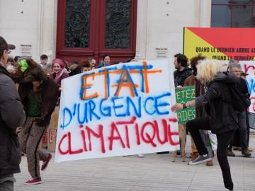 Manifestation pour l'état d'urgence climatique