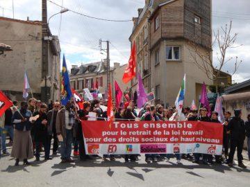 Poitiers : 400 dans la rue pour le premier Mai
