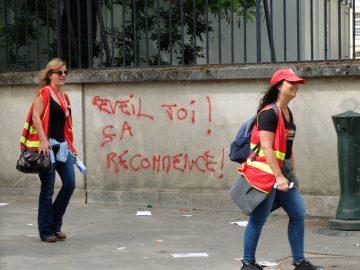 """""""Valls Sarkozy : le binôme de tous les dangers racistes."""""""